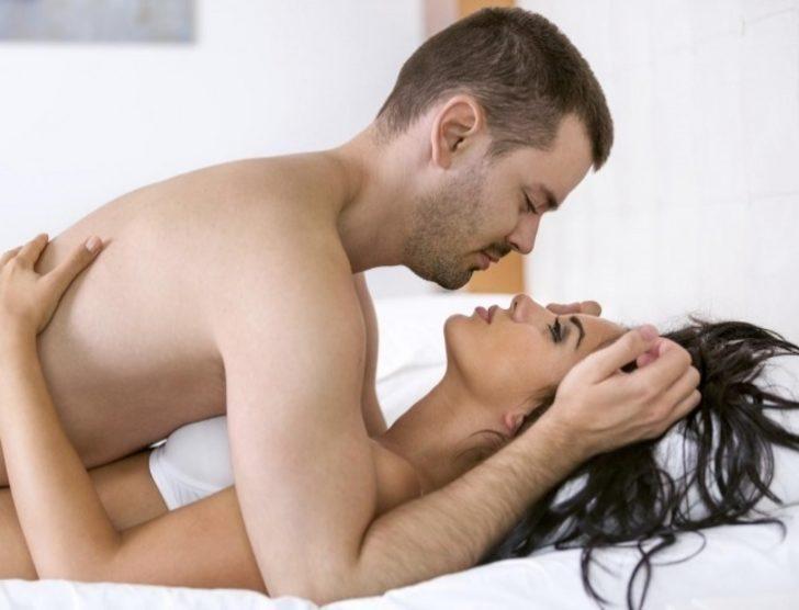 Настал черед русской пары заниматься анальным сексом