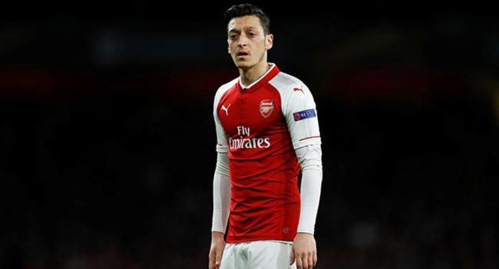 """Mesut Özil """"güvenlik"""" gerekçesiyle kadro dışı"""