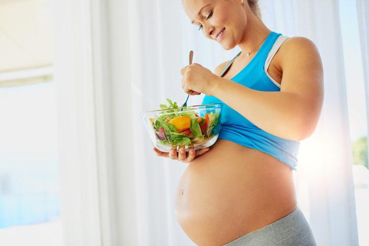 Aman dikkat! Gebelikte yetersiz beslenme bebeğe zarar veriyor