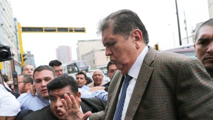 Eski Cumhurbaşkanı Uruguay Büyükelçiliği'nden sığınma talep etti