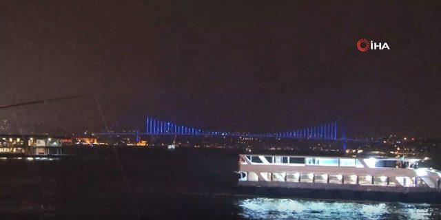 İstanbul, çocuklar için maviye büründü