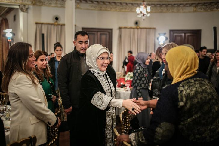Emine Erdoğan: Hak ihlallerinin olduğu yerde adalet, karanlıkta aranan bir cevher gibidir