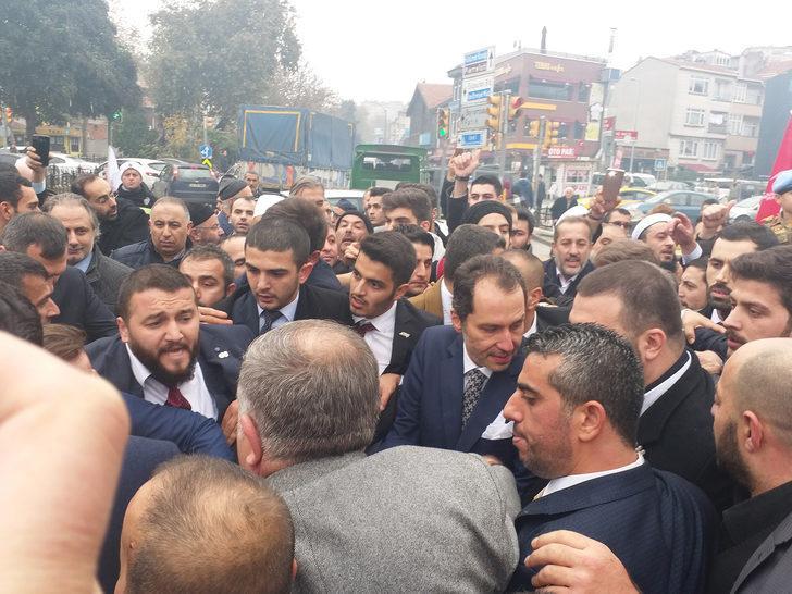 """Fatih Erbakan """"Yeniden Refah Partisi""""nin ilk mitingini düzenledi"""