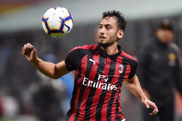 Hakan Çalhanoğlu'nun Milan-Torino maçında oynayıp oynamayacağı belirsiz