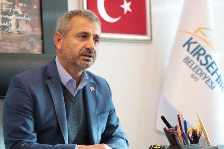 Kırşehir Belediye Başkan Yardımcısı Veli Şahin, yeniden meclis üyesi olmak için görevini bıraktı