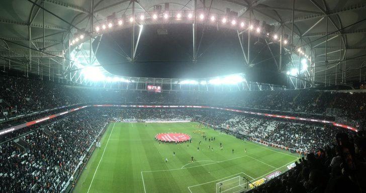 Beşiktaş, Galatasaray maçı öncesi stat hoparlörlerinden 'Loco Loco' şarkısını çaldı