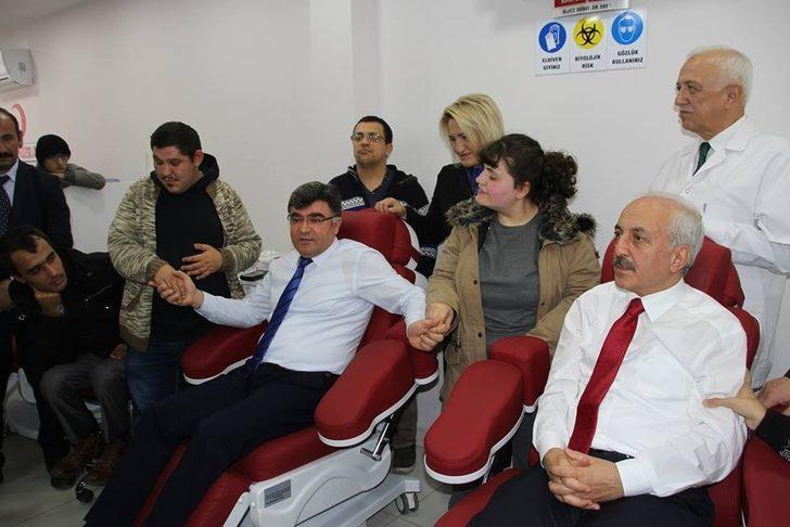 Engelliler adına kan bağışında bulundular
