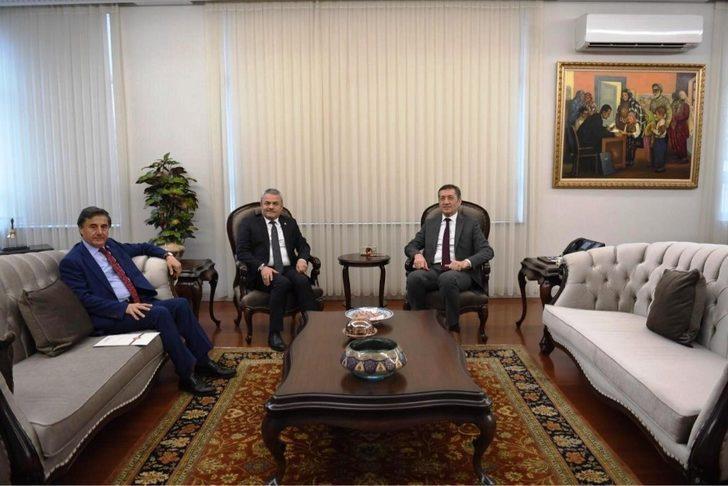 Milletvekilleri, Milli Eğitim Bakanı Selçuk'u ziyaret etti