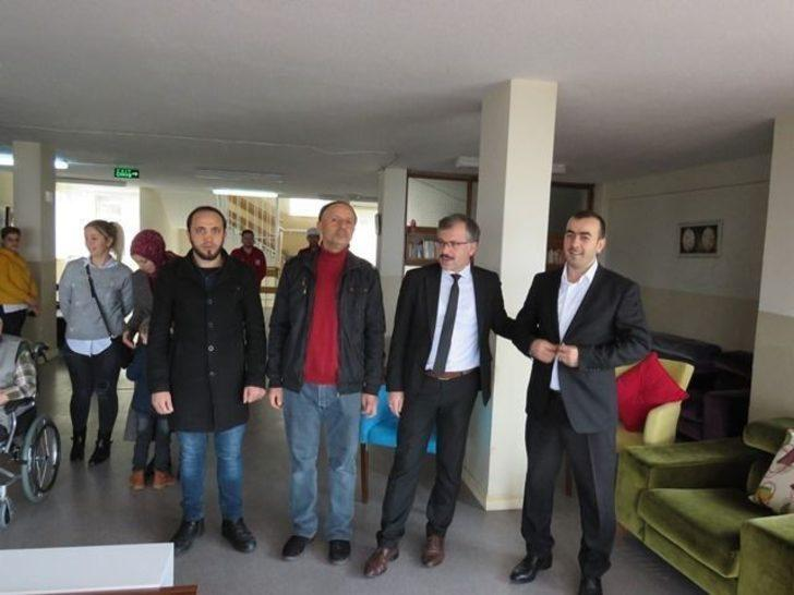 Kızılay Başkanı Öztürk ve yönetimi konukevini ziyaret  etti