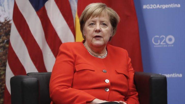 Merkel Yine 'Dünyanın En Güçlü Kadını' Seçildi