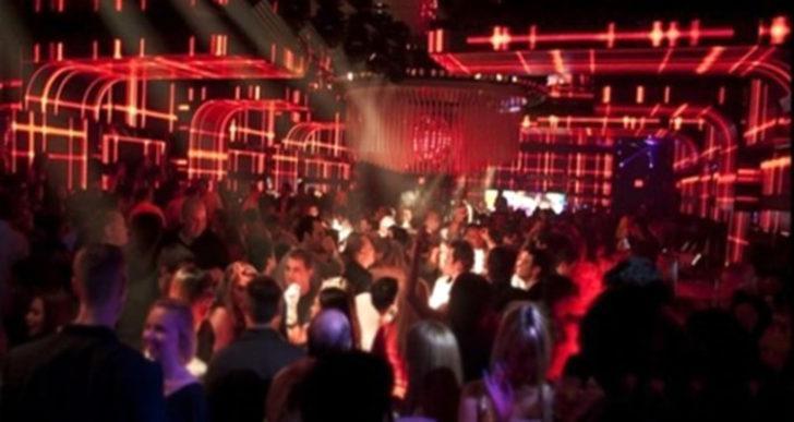 Skandal: Gece kulübünde toplu tecavüz! Müdahale etmek yerine video çektiler