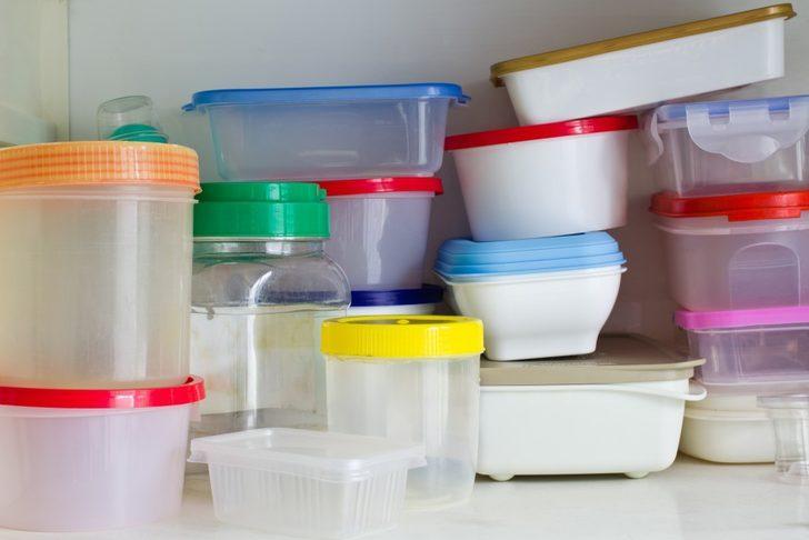 Plastik kapların kötü kokmasını engelleyen 5 yöntem