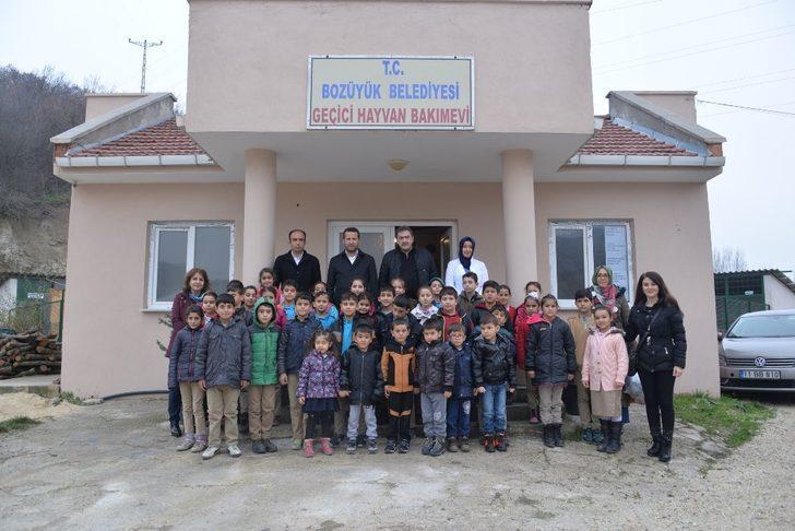 Miniklerden Bozüyük Belediyesi Geçici Hayvan Barınağına ziyaret
