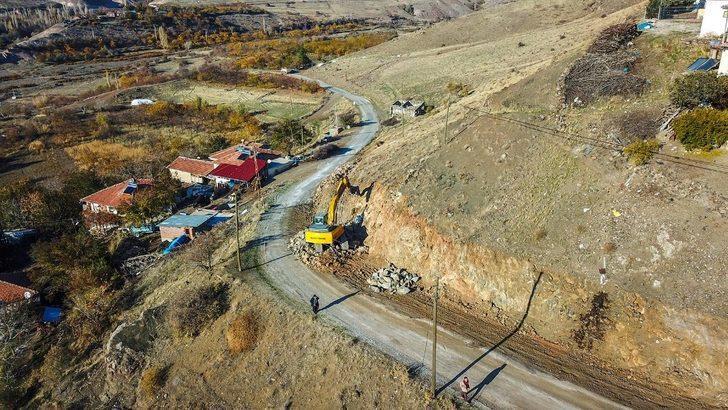 Arguvan'da yeni yol açma ve genişletme çalışmaları