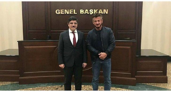 Sean Penn AK Parti Genel Başkan Danışmanı Yasin Aktay'ı ziyaret etti