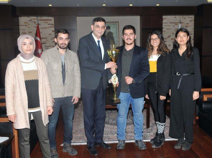 GSO Başkanı Ünverdi'den üniversite öğrencilerine tam destek