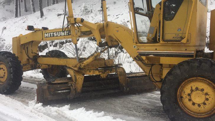 Aydın'ın yüksek kesimlerine yılın ilk karı düştü
