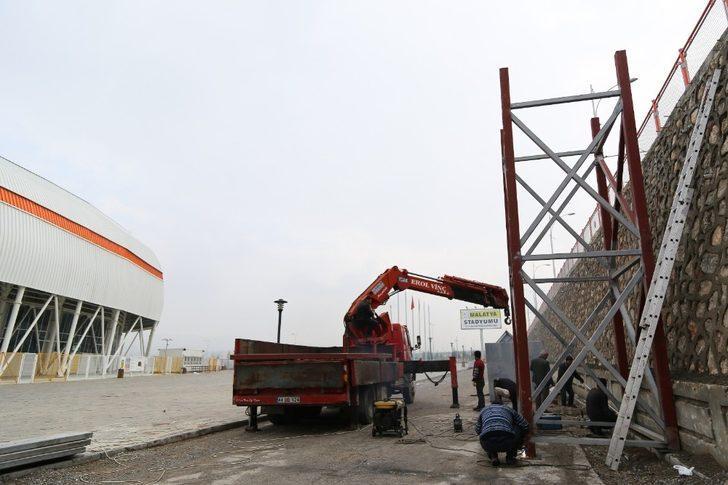 Yeni Malatya Stadı'nda merdiven sayısı artıyor