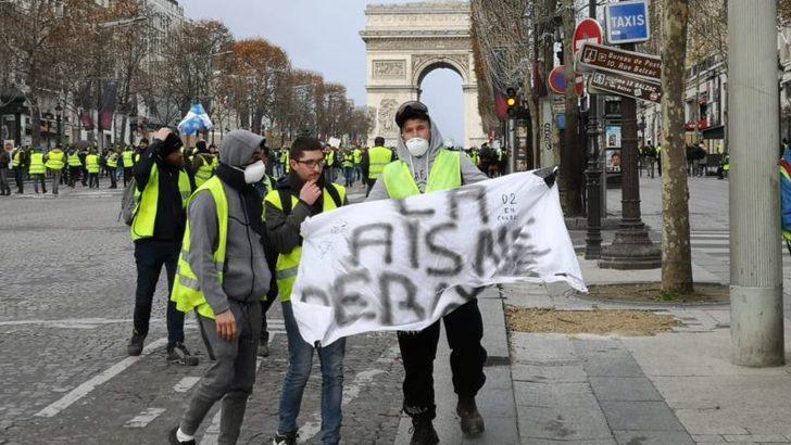 Fransa'da Sarı Yelekliler Protestoları 4. Haftasında Devam Ediyor