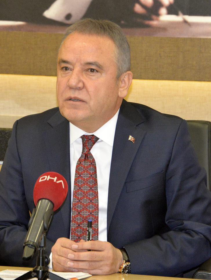 Konyaaltı Belediyesi asgari ücreti 2 bin 200 TL'ye çıkardı