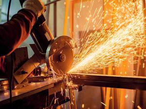 Sanayi üretimi bir önceki yılın aynı ayına göre yüzde 3,4 arttı