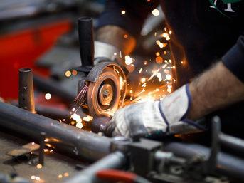 Sanayi üretimi bir önceki yılın aynı ayına göre yüzde 3,6 azaldı