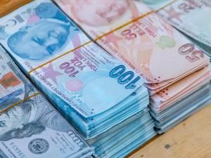 Mayıs'ta bütçe 12,1 milyar lira açık verdi