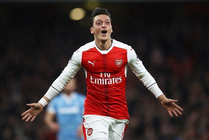 99- Mesut Özil - Arsenal