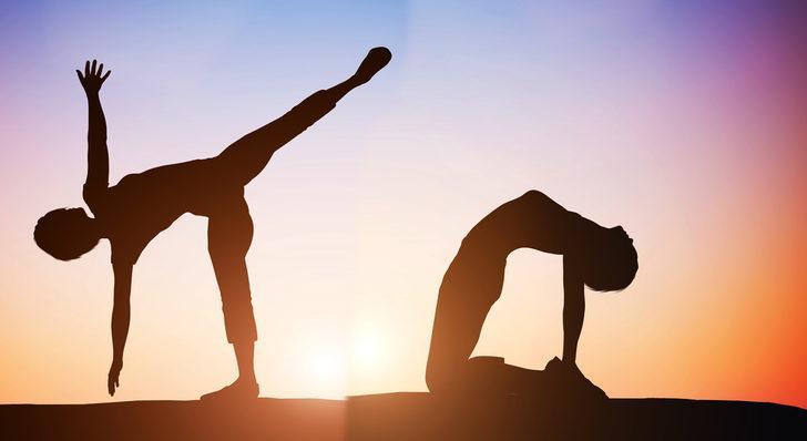 Gün boyu vücudunuzun dinç olmasını sağlayacak 8 germe egzersizi