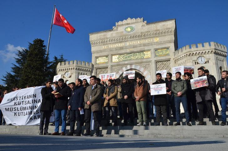 """Beyazıt'ta """"Yılbaşı kutlaması"""" protestosu"""