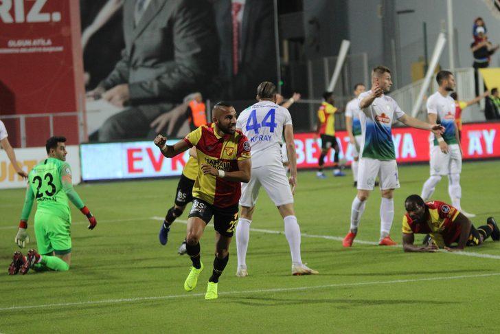 Fenerbahçe'de süresiz kadro dışı kalan Faslı futbolcuyu Yasin artı bir miktar para karşılığında kadrosuna dahil etmeye çalışan sarı-kırmızılıların olumlu yanıt aldığı bildirildi.