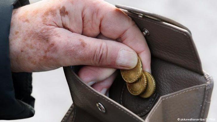 Almanya'da her iki kişiden biri emeklilikte yoksulluktan korkuyor