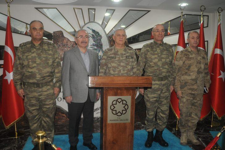 Orgeneral Dündar, Suriye sınırındaki birlikleri denetledi
