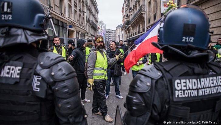 Sarı Yeleklilerin lideri gözaltına alındı