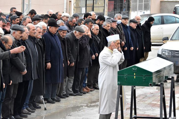 HDP'li Güven'in annesi, Konya'da toprağa verildi