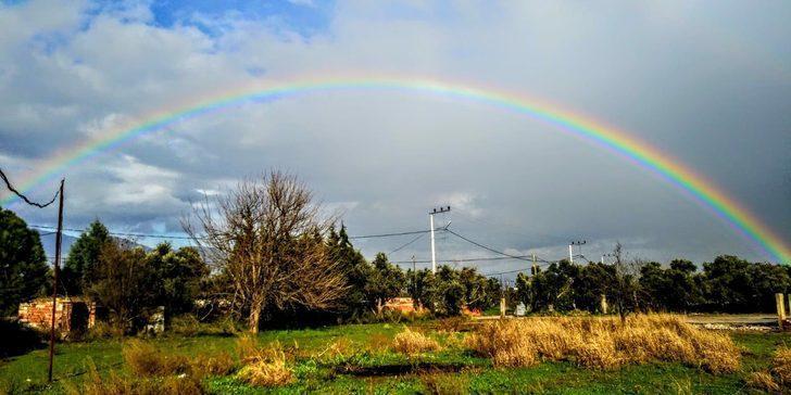 İzmir'de gökkuşağı güzelliği