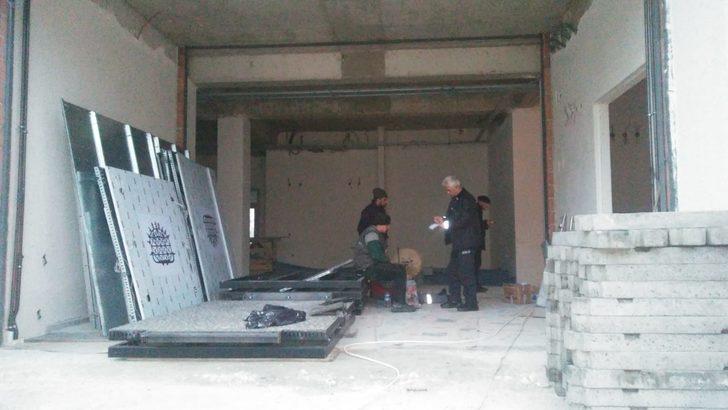 Çorum'da asansör boşluğuna düşen 2 işçi öldü