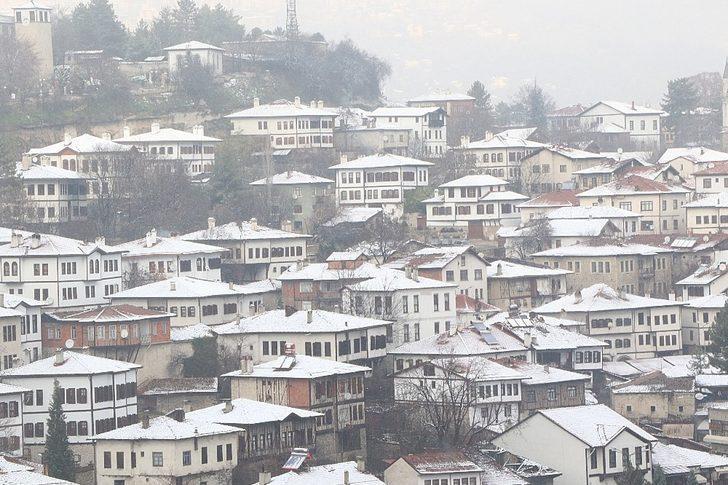 Karabük'ün ilçelerinde eğitime kar tatili
