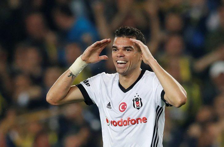 Pepe Arsenal'i reddederek Monaco ile sözleşme imzalayacak