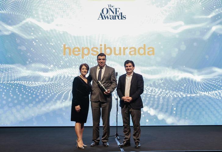 Hepsiburada e-ticarette 'Yılın en itibarlı markası' seçildi