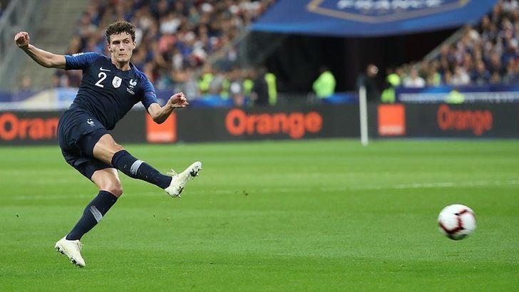 Benjamin Pavard - Stuttgart > Bayern Münih | BONSERVİS BEDELİ: 35 milyon Euro
