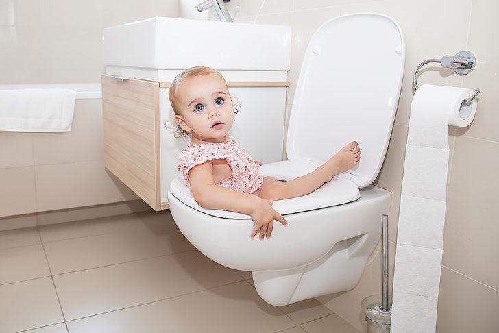 Çocuğa tuvalet eğitimi nasıl verilmeli? İşte izlemeniz gereken 12 adım
