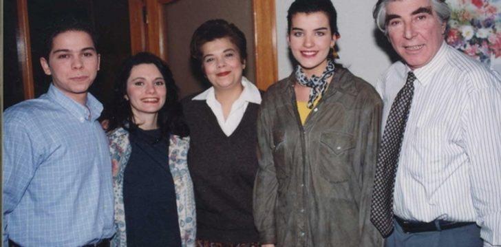Bizimkiler dizisinin anne - kızı yıllar sonra buluştu!
