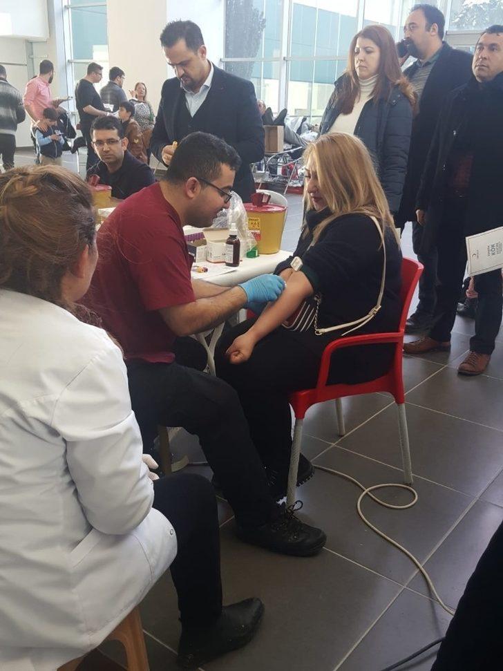 Eğitimcilerden kök hücre ve kan bağışı kampanyasına destek