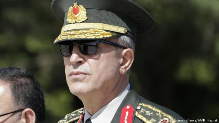 Savunma Bakanı Akar Suriye sınırında