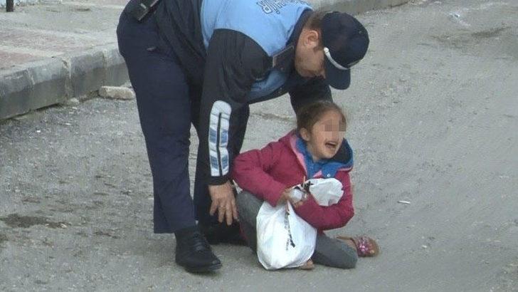 Samsun'da dilenci kadın küçük çocuğunu yol ortasında bırakıp kaçtı