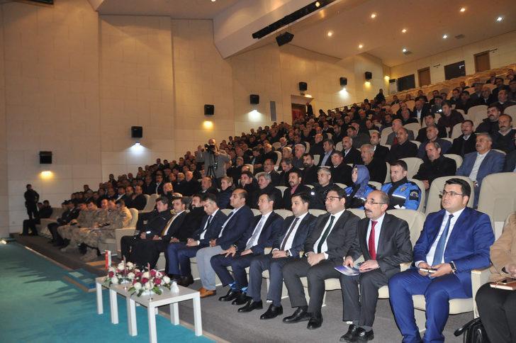 Bitlis muhtarlara uyuşturucuyla mücadele anlatıldı