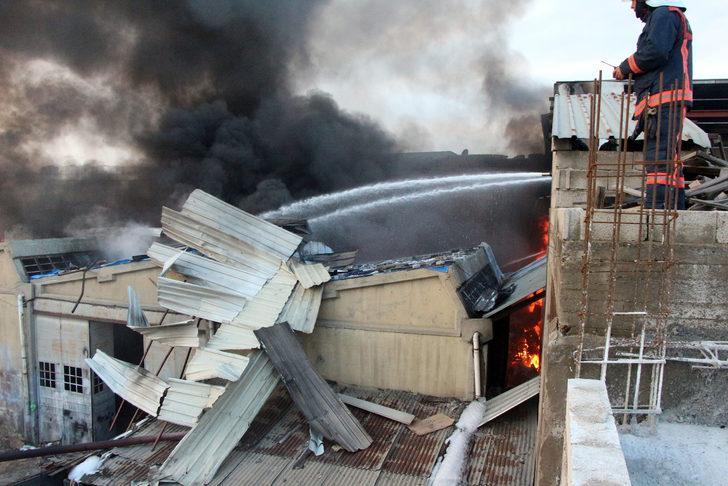 Gaziantep'te boya fabrikasında yangın (2) - YENİDEN