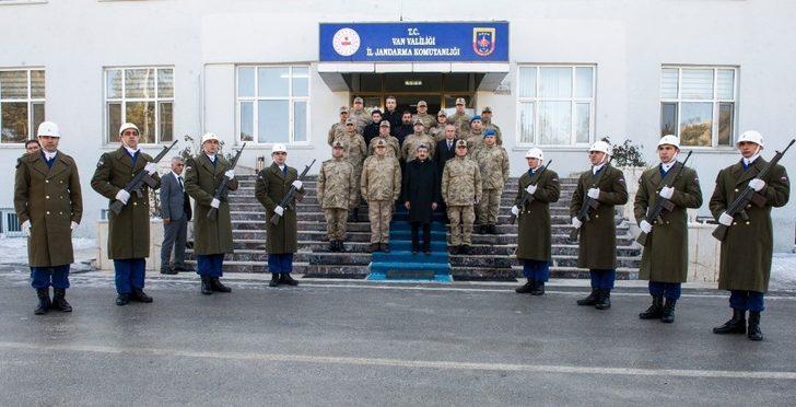 Vali Bilmez'den İl Jandarma Komutanlığına ziyaret