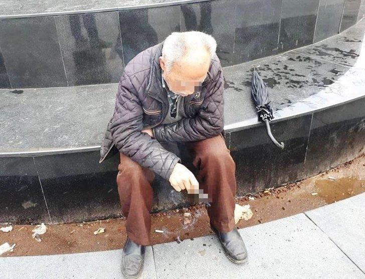 Yaşlı adama 'Birlikte olalım' diyerek 500 TL'sini alıp, kaçtılar